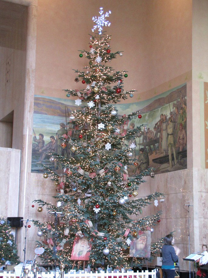 The Capitol Tree in Salem